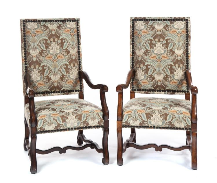 PAIR OF JACOBEAN-STYLE ARMCHAIRS.