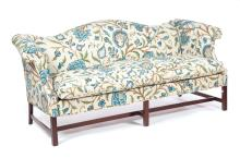 CHIPPENDALE-STYLE CAMELBACK SETTEE.