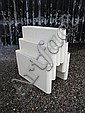 A Kartell white plastic magazine rack by Giotto, Giotto Stoppino, Click for value