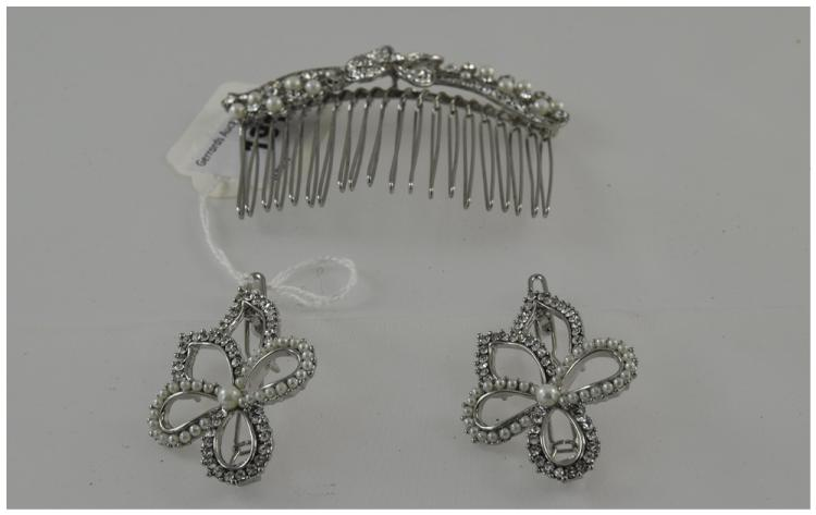 White Austrian Crystal and Faux Pearl Hair Comb of