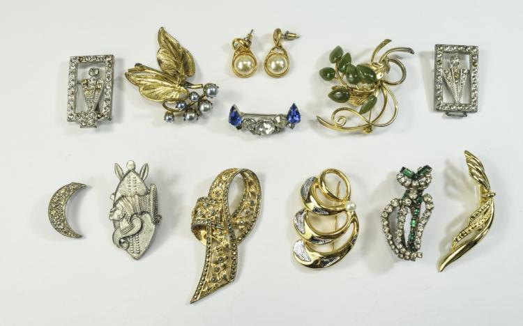 A Collection of Vintage Stone Set Brooches and Ear