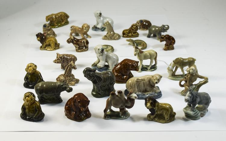 Wade Whimsies Collection of ( 31 ) Animal Figures,