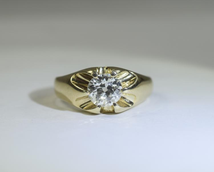 Gents Single Stone Diamond Ring; Round Brilliant C