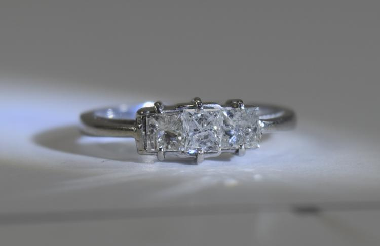 14ct White Gold Set 3 Stone Diamond Ring. The Prin