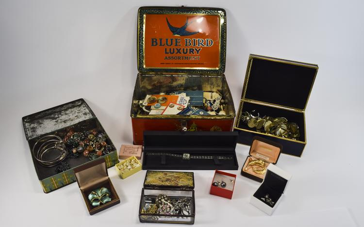 Box Of Misc Costume Jewellery Oddments And Collect