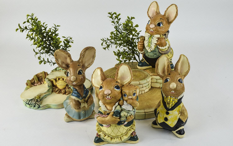 Collection of Pendelfin comprising mother rabbit,