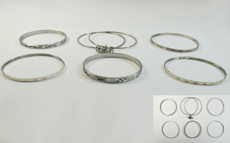 Mixed Lot of 6 Silver Sleigh Bangles, engine turne