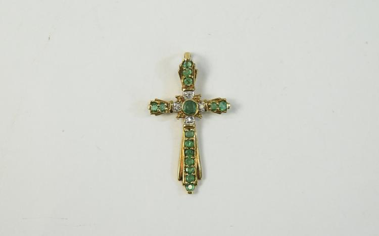 9ct Gold Pendant Cross Set With 4 Round Cut Diamon