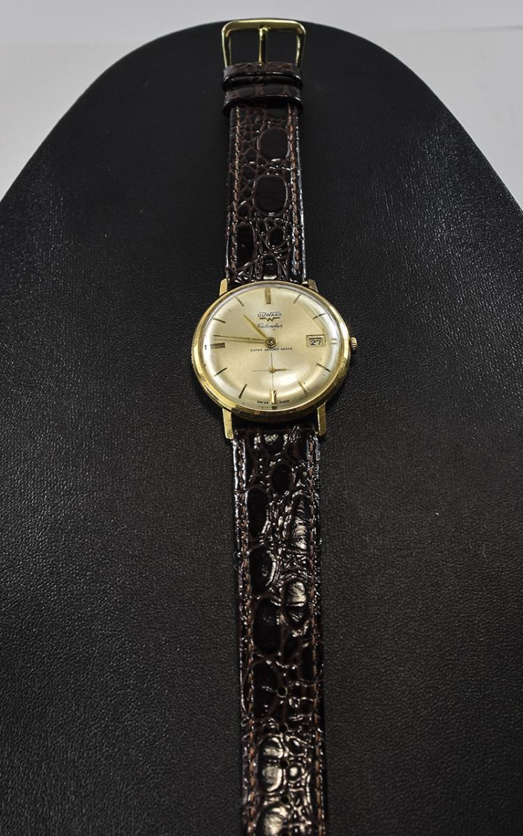 Gents DuWard Calendar 18ct Watch. Circa 1950s gent