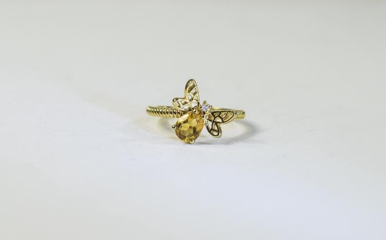 Citrine Honey Bee Ring, the body of the bee compri