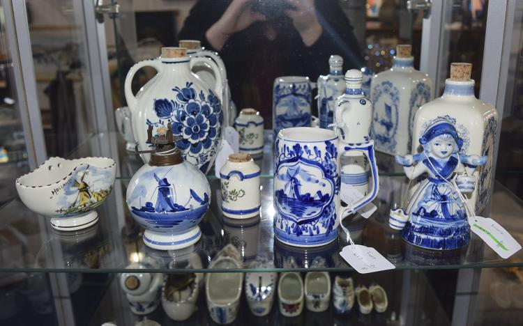 A Good Collection of Assorted Vintage Dutch Delft