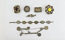 A Small Collection of Silver Assorted Jewellery with a couple of vintage costume jewellery brooches. (7) items in total.