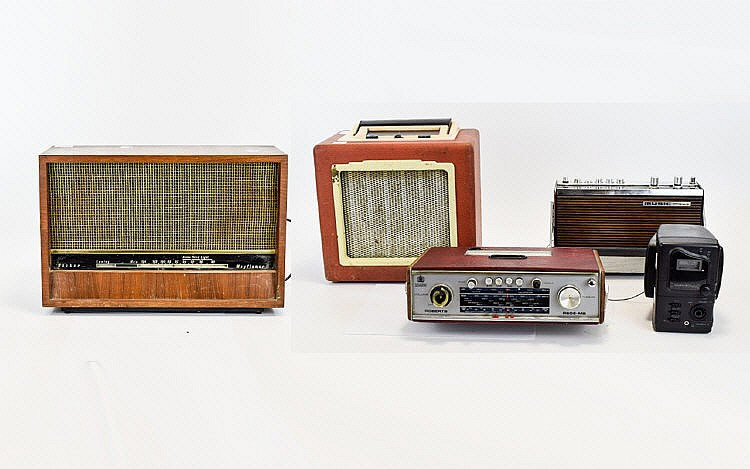 vintage radios five in total to include wood cased 39 hacker m. Black Bedroom Furniture Sets. Home Design Ideas