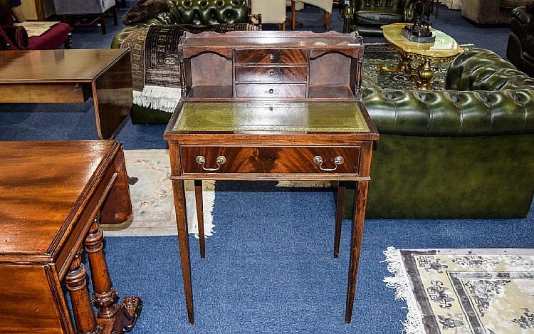 Writing desk bureau small dark wood with central drawer