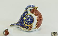 Royal Crown Derby Paperweight ' Robin ' Gold Stopper. Date 1990.