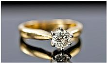 18ct Gold Set Single Stone Round Diamond Ring. The