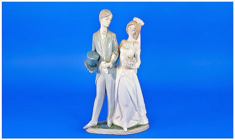 Lladro Figure 'Wedding'. Model number 1404. Issued