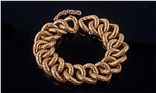 High Carat Gold Fancy Link Bracelet, circular