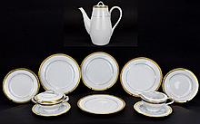 Noritake Fine Quality ( 11 ) Piece Part Coffee / Tea Service. Comprises 1 Large Coffee Pot, Milk Jug and Lidded Sugar Bowl, 4 Sides, 4 Medium Sized Sandwich Plates ' Richmond ' Pattern, Gold Trim. Num 6124, U.S Design Patent 194935. All Pieces are In
