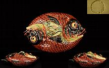 Bordallo Pinheiro Portuguese Superb Quality Late 19th Century Majolica Two Fishes Lidded Tureen Circa 1895 - 1900 Impressed marks to base 'Bordallo Pinheiro, 924B' Excellent condition, 15 inches in diameter, 5.5 inches high.