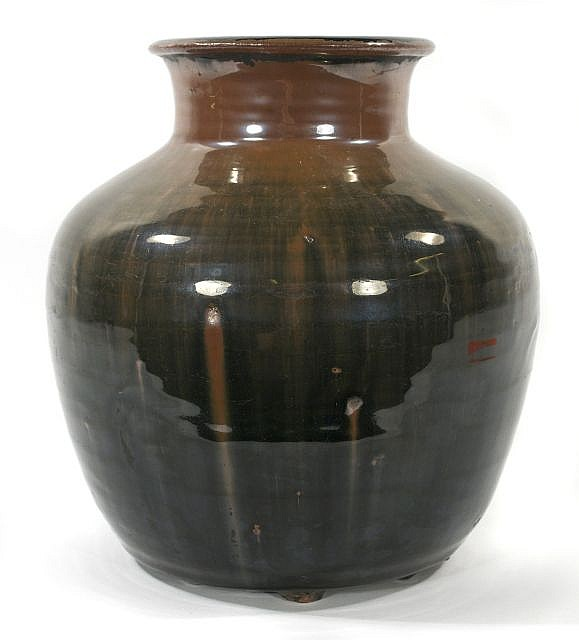 A Chinese Henan Ware Style Pottery Jar.