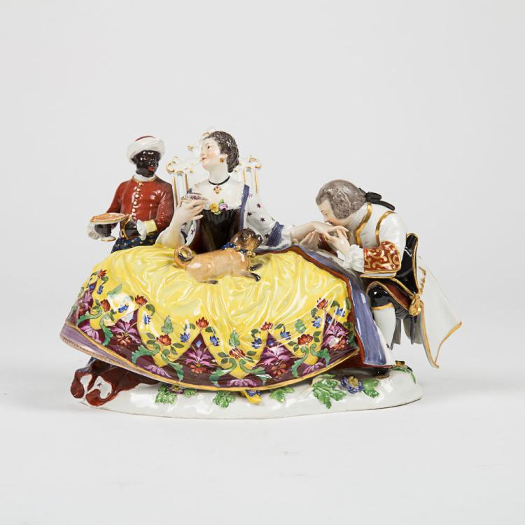 A Meissen Porcelain Crinoline Group after Johann Joachim Kaendler's 'The Hand Kiss', 20th Century,