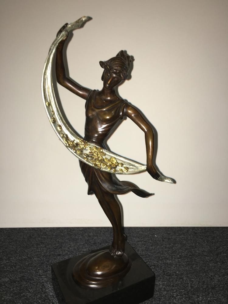 Thomas McKnight bronze sculpture