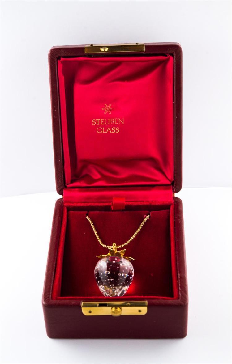 14K YELLOW GOLD AND GLASS STRAWBERRY PENDANT, Steuben