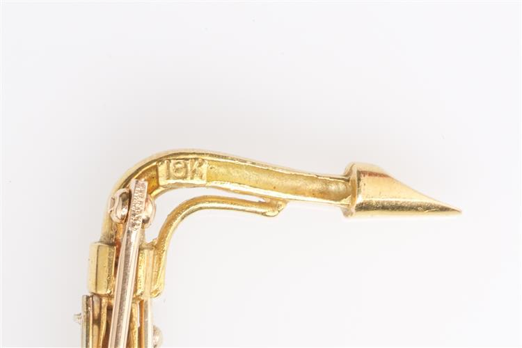 18K YELLOW AND WHITE GOLD SAXOPHONE BROOCH