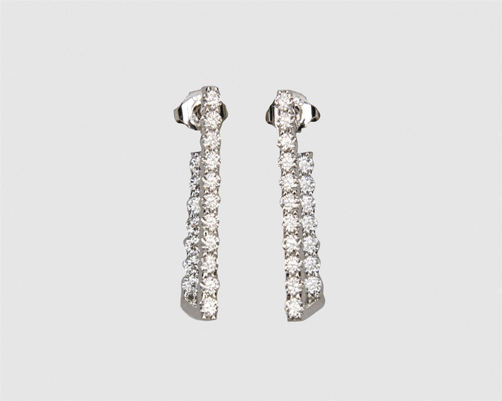 HEARTS ON FIRE 18K Gold and Diamond Hoop Earrings
