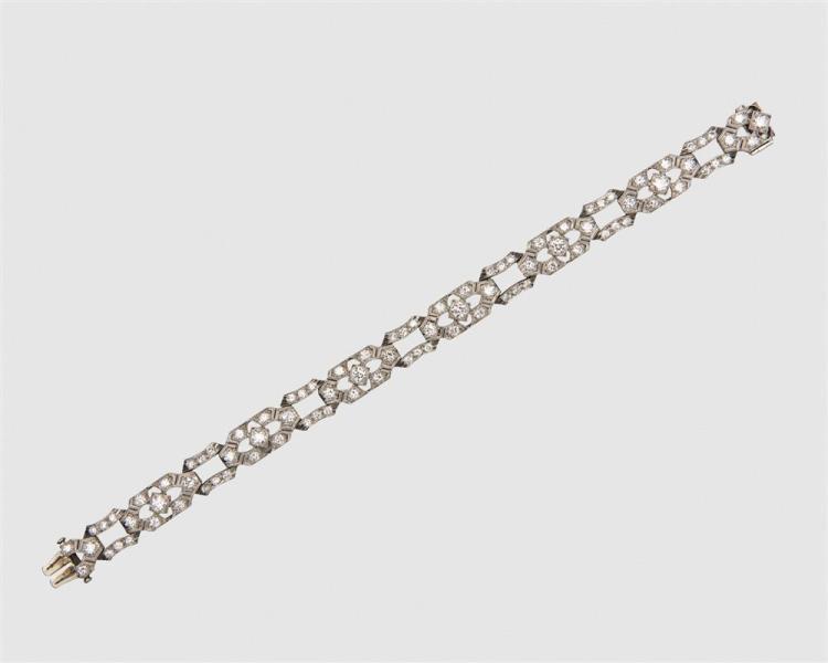 LAMBERT BROS. Platinum and Diamond Bracelet