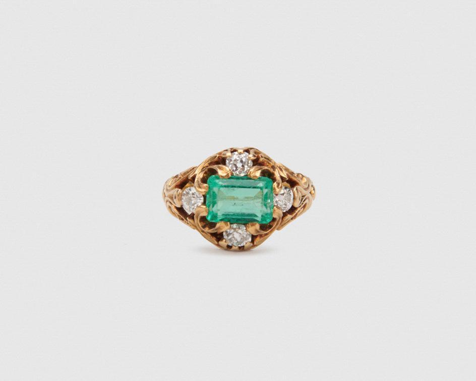 J.E. CALDWELL & CO. 18K Gold, Emerald, and Diamond Ring