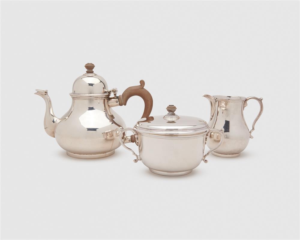 RICHARD COMYNS Silver Three Piece Tea Service, London, 1953