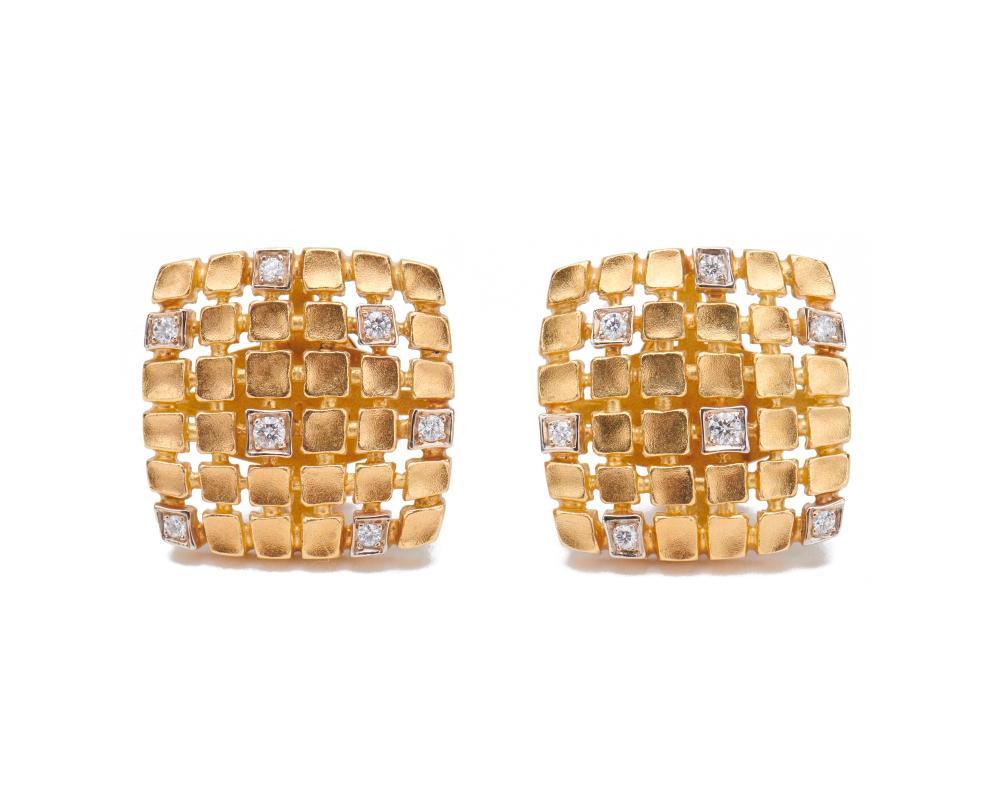 PAUL MORELLI 18K Gold and Diamond Earclips