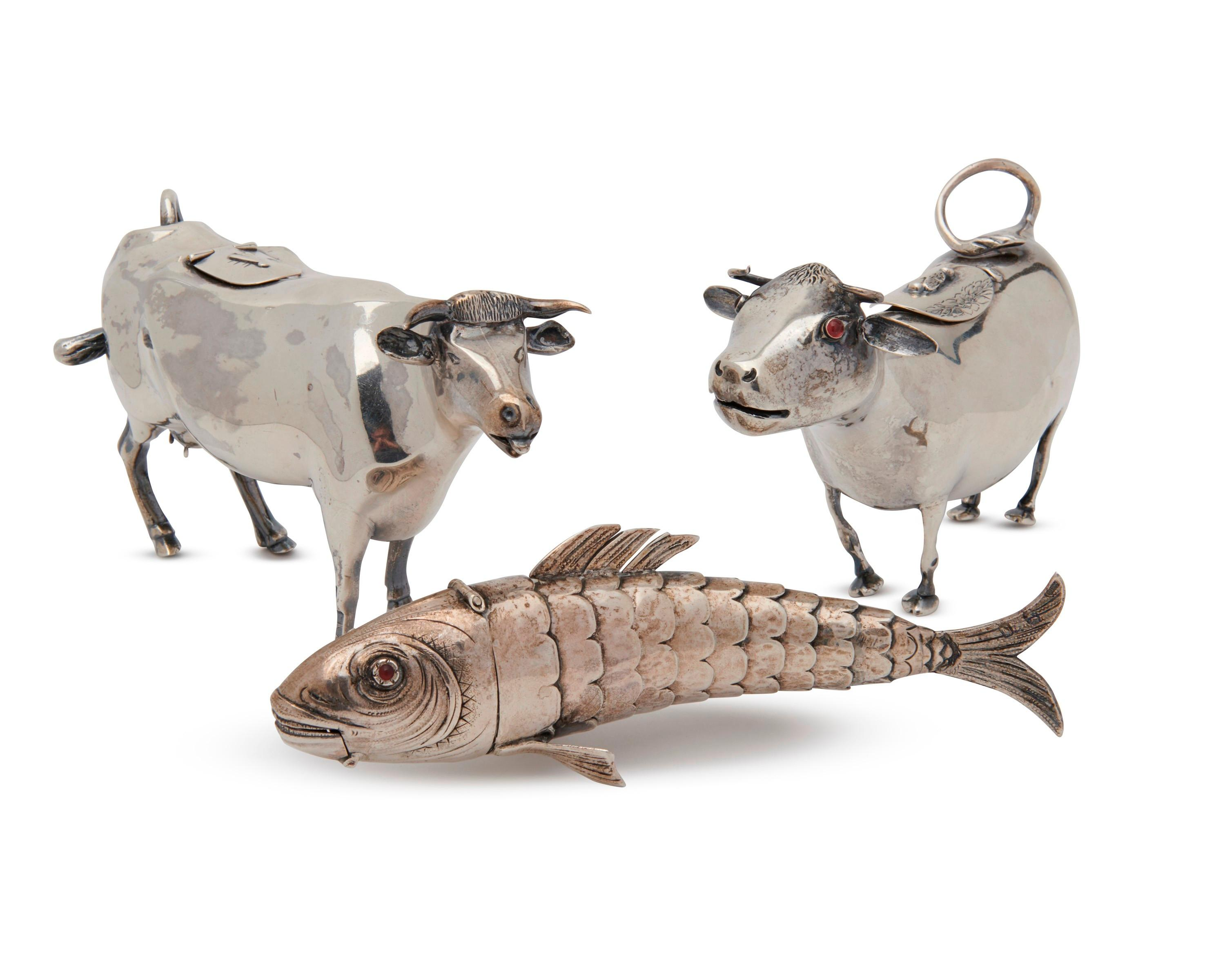 Pair of English Silver Cow Creamers and a Continental Silver Reticulated Fish Snuff/Pill Box, late 19th/early 20th century