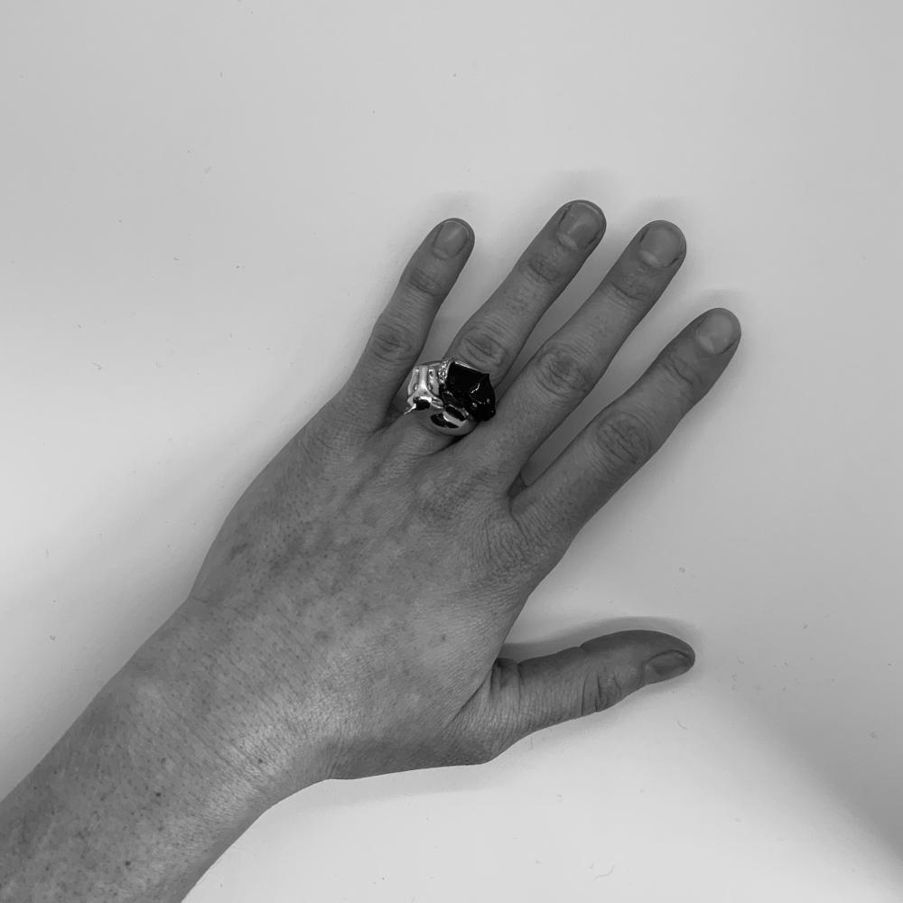 18K Gold, Onyx, and Diamond Ring