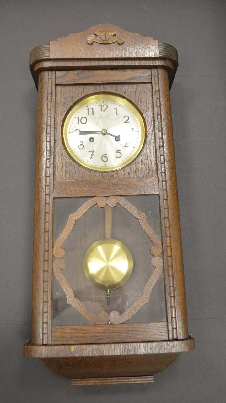 Antique wooden hanging wall clock for Antique wall clock wood