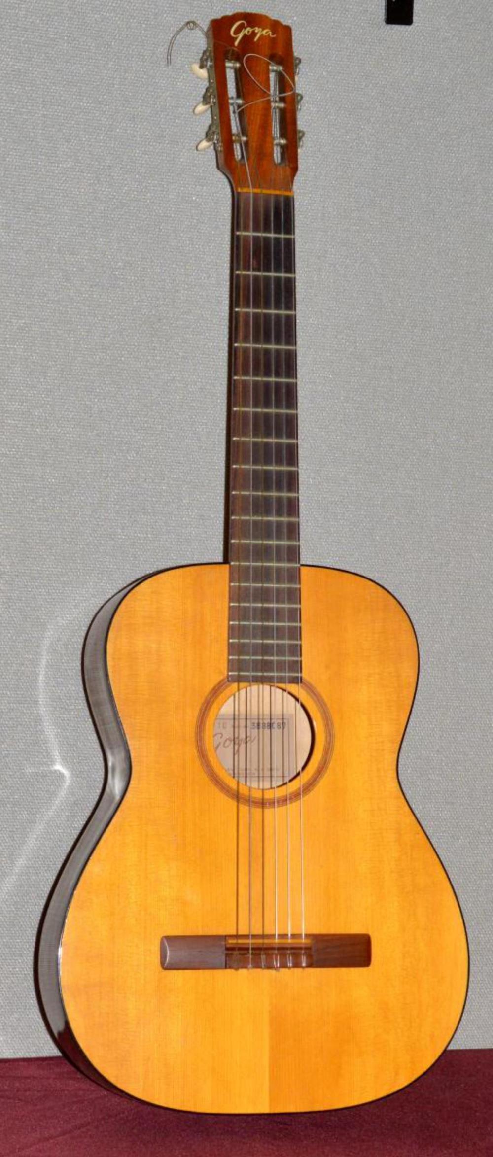 Lot 129: Vintage Sweden Made Goya G-10 Classical Guitar