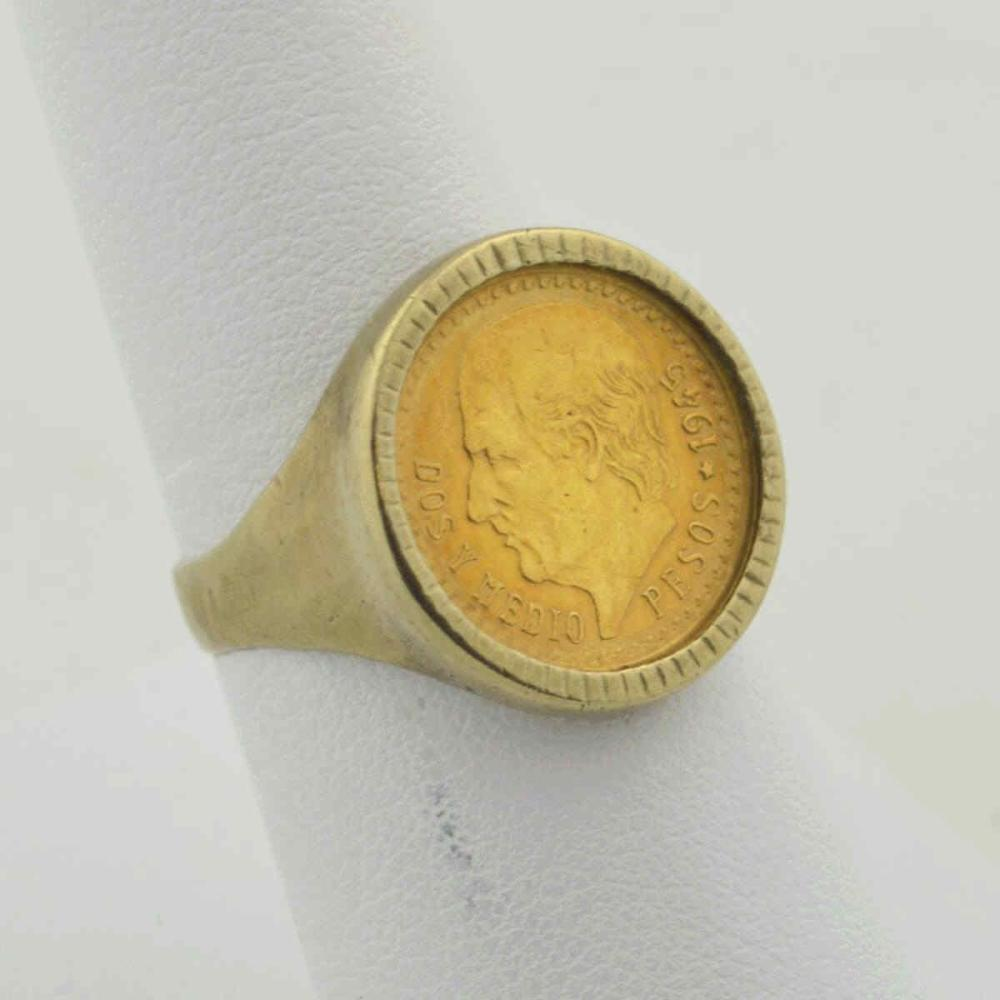 14kt yellow gold 2.50 Pesos coin ring