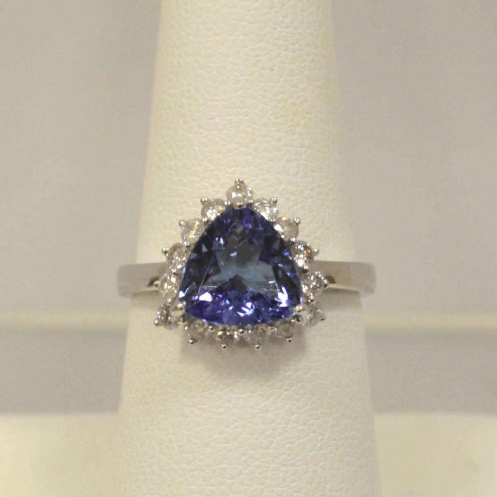 14kt white gold tanzanite and diamond ring