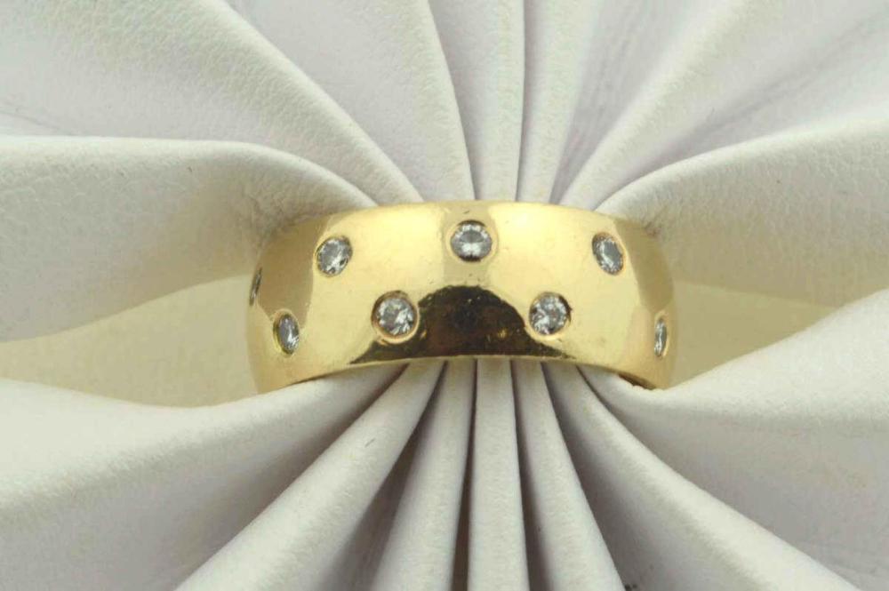 14kt yellow gold diamond fashion band