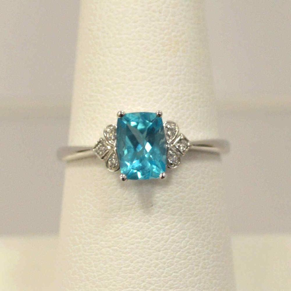 14kt white gold apatite and diamond ring