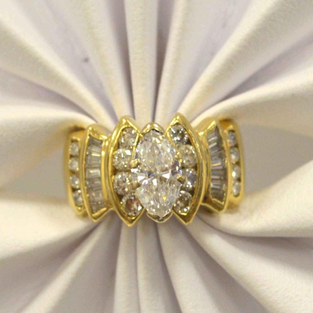 14kt yellow gold diamond fashion ring