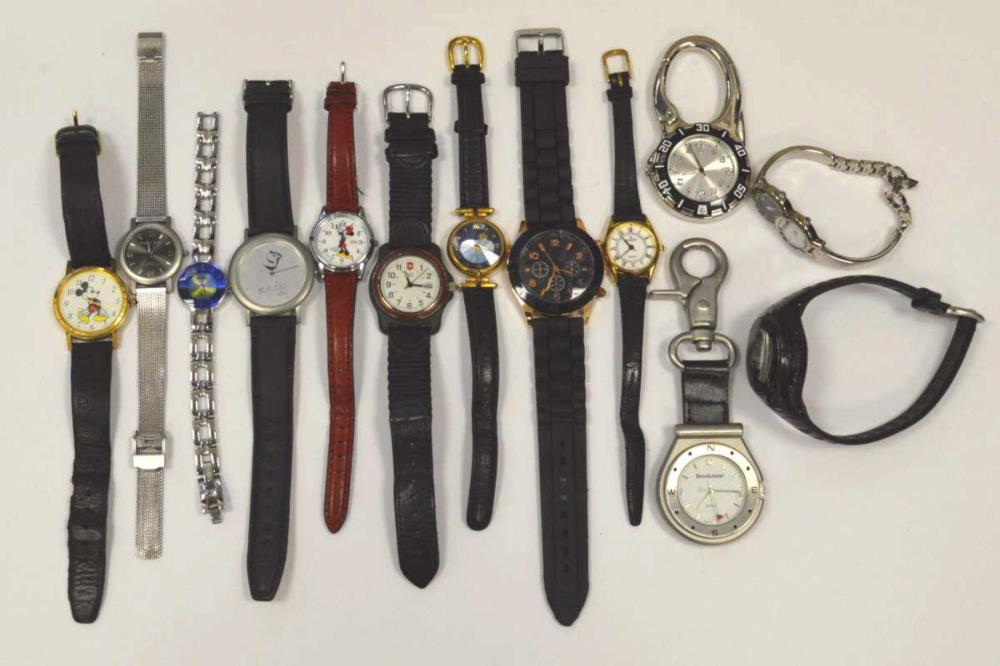 Lot of men's and ladies watches