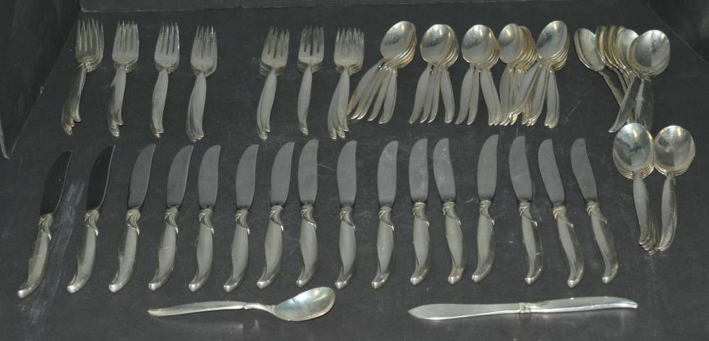 1847 Rogers Bros. Flair Silver Plated Flatware IS