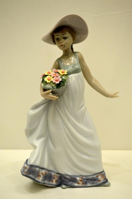Lladro Figure, Carefree