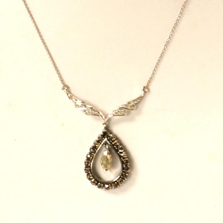 18kwg Diamond Teardrop Necklace