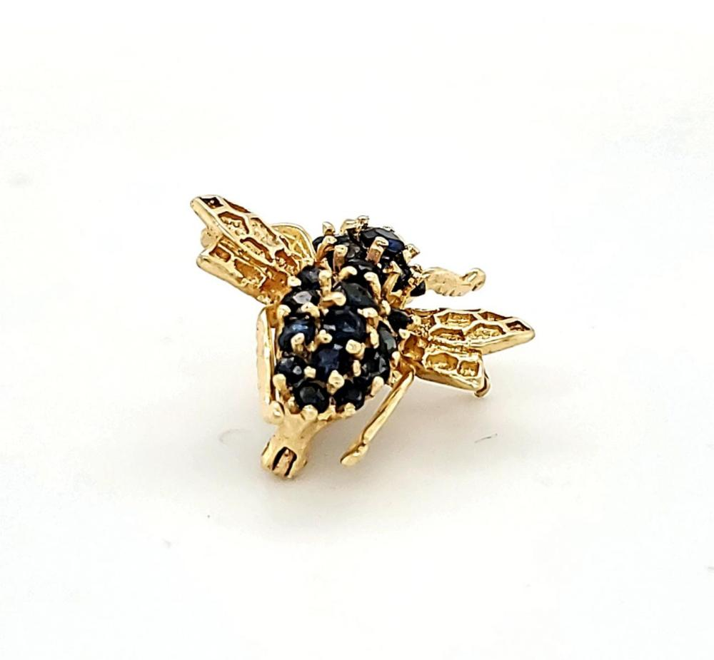14kt yellow gold sapphire bee pin