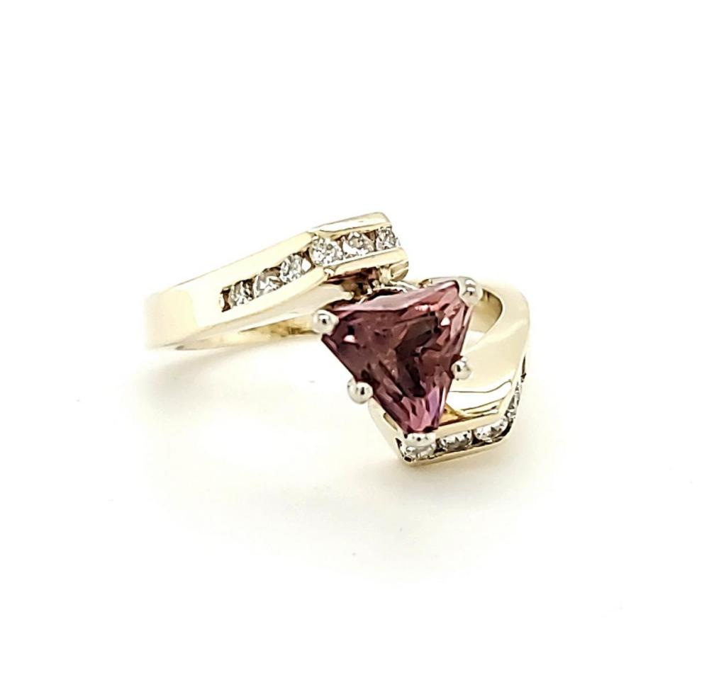 14kt yellow gold pink topaz and diamond ring