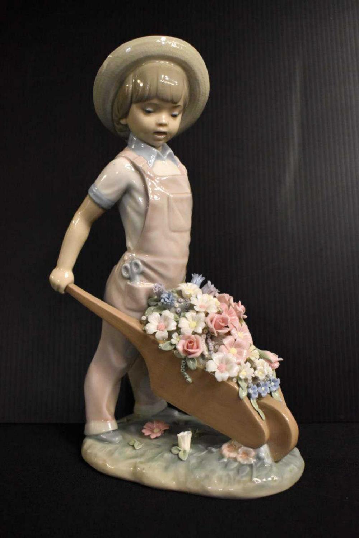 """Retired Lladro Figurine """"Little Gardner"""" 1283"""